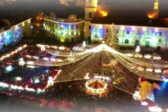 Târg de Crăciun la Sibiu. Copiii au făcut coadă la Moş, deşi e noiembrie