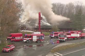 Cel mai mare restaurant de lemn din Europa Centrală, distrus de un incendiu