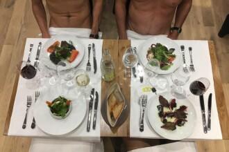 Primul restaurant pentru nudiști, deschis la Paris. Clienții sunt obligați să își lase hainele la intrare