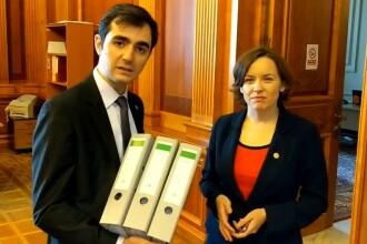 """Primul """"filibuster"""" din Parlamentul României: 5.000 de amendamente USR la Split TVA"""