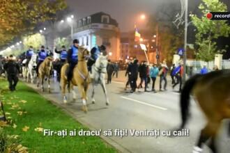 """Reacții vehemente la adresa jandarmilor în timpul protestelor de duminică. """"Cai vă trebuia"""""""