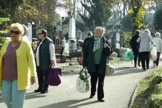 """Credincioșii din Banat și Ardeal sărbătoresc """"Luminăția"""". Cimitirele, vizitate de oameni"""