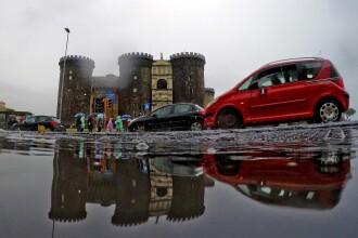 Dezastru în Italia, din cauza ploilor torenţiale. Sunt cel puţin 20 de morţi