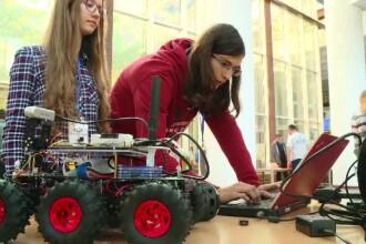 Concurs internațional de robotică la București. Creațiile elevilor