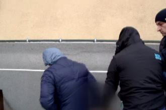 Copil de 13 ani din Neamț, violat de 3 tineri. Totul a fost filmat și publicat pe internet