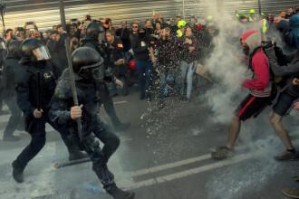 Protest violent în Barcelona. Poliția a folosit forța la un miting al separatiștilor catalani