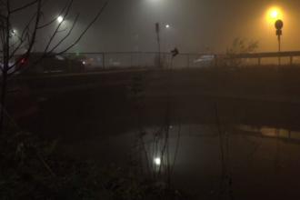 Un tânăr s-a înecat după ce a căzut cu maşina într-un canal. Două tinere s-au salvat