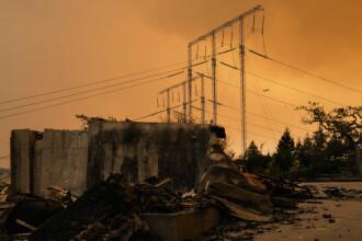 Cel puțin 31 de oameni au murit în incendiile din California. Flăcările s-au extins pe 45.000 de hectare
