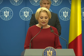 """Nouă gafă a premierului Viorica Dăncilă. Ce cuvânt a folosit în loc de """"predicţii"""". VIDEO"""