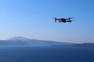 Elicopter militar, pus în pericol de o dronă. Pilotul a fost nevoit să facă manevre de urgență pentru a evita tragedia
