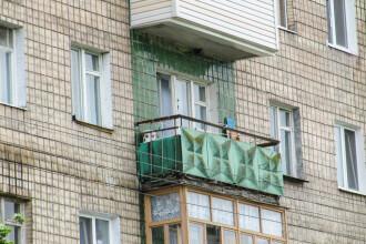 Tânără aruncată de la etajul 10 fiindcă a refuzat avansurile unui bărbat. Cum a scăpat