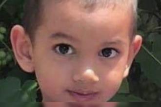 Un copil de 3 ani din Dâmboviţa şi tatăl său sunt căutaţi de poliţie. De ce se teme mama