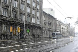 Temperaturi de -4 grade și polei în Capitală. Meteorologii anunţă precipitaţii şi ninsoare uşoară