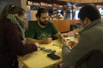 Jocurile de care vizitatorii unui târg s-au declarat fascinați NU sunt electronice