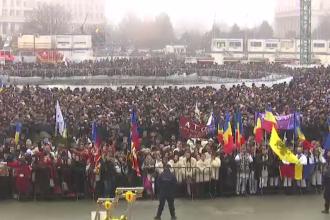 Zeci de mii de români au răbdat în frig pentru a păși în Catedrala Neamului. Mesajul Patriarhului Daniel
