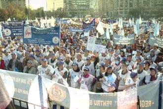 """""""100 de ani în 100 de zile"""". 2013 - Românii încep să protesteze împotriva clasei politice"""