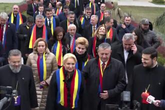 Miniștrii lui Dăncilă s-au plimbat prin Alba Iulia cu protestatarii după ei. VIDEO