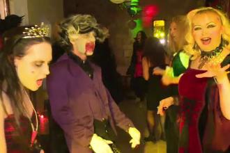 Petrecere înfricoșătoare la Castelul lui Dracula. Cum s-au distrat tinerii