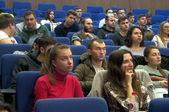 """Studenții îi cer lui Iohannis să nu promulge Legea 159/2019: """"Se aduc mari deservicii"""""""
