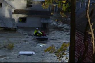 New York-ul, sub ape din cauza inundațiilor. Autoritățile sunt în stare de urgență