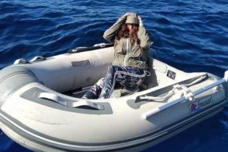 A supraviețuit 3 zile pe mare, după ce barca gonflabilă s-a spart. Cum a fost găsită