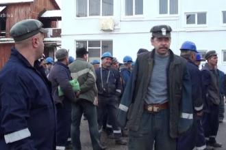 Zeci de mineri din Dej s-au blocat în subteran pentru că nu au primit vouchere de vacanță