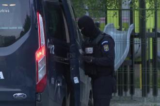 Motivul pentru care poliţiştii din Suceava au sunat după ajutor la jandarmi. Ce a apărut în curtea IPJ