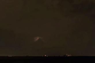 """O """"piramidă"""" a fost văzută pe cer, în SUA. Reacția oamenilor"""