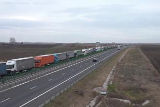 Autoritățile ungare le-au declarat război șoferilor români. Cozile la vamă sunt uriașe