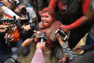 Primăriță bătută, târâtă pe străzi și tunsă de protestatarii nervoși din Bolivia