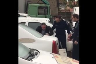 Ofițer filmat plângând după ce a fost inculpat într-un dosar de șantaj.