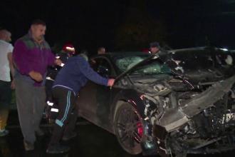Accident grav de circulație în apropiere de Dâmbovița. Două mașini au fost făcute praf
