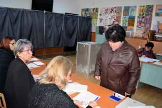 Alegeri prezidențiale 2019, turul II. Școlile închise sau cu program scurt, vineri și luni