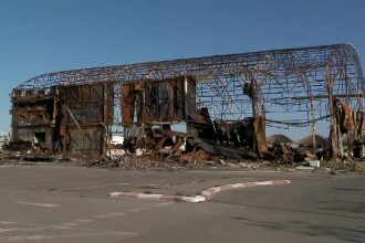 Ruinele clubului Bamboo din Mamaia, pericol public. Proprietarul, obligat să le ridice