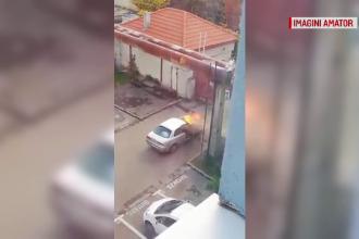 Două mașini au luat foc în doar 24 de ore, în Oradea. Cum s-a salvat un șofer