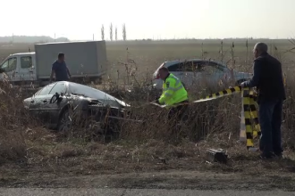 Accident grav pe Drumul Național Buzău-Brăila. Două persoane au rămas încarcerate