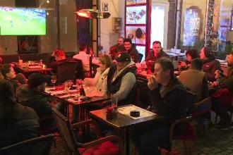 Cum au trăit suporterii români meciul cu Suedia, din fața televizoarelor.