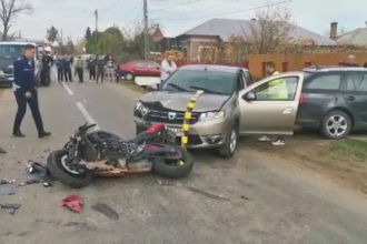 Un motociclist a fost spulberat de un șofer de 60 de ani la Găești