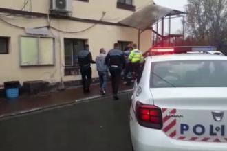 Șoferi prădați de hoți după ce au parcat pe marginea șoselei. Trei suspecți au fost arestați