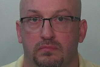 A scăpat nepedepsit după ce şi-a violat fiicele adoptive timp de 4 ani
