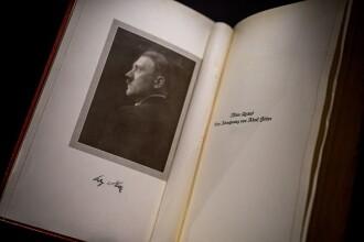 Un exemplar al cărții scrise de cel mai temut om din lume, vândut pe o sumă uriaşă