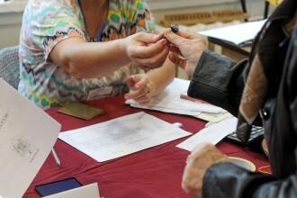 Bucureștenii pot vota și în mall. Mulți au comparat procesul de votare cu cumpărăturile