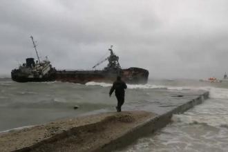 Petrolier eșuat în Marea Neagră din cauza unei furtuni puternice. Căpitanul, în stare gravă