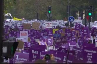 Mii de femei au ieșit în stradă în Franța și Italia pentru a opri violența domestică