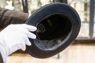 Motivul neobişnuit pentru care un bărbat a cumpărat cu o sumă uriaşă pălăria lui Hitler