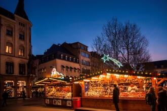 Un copil a murit la Târgul de Crăciun din Luxemburg. A fost lovit de o sculptură de gheață