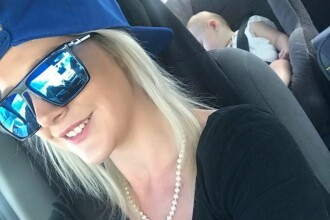 O femeie din Australia, acuzată de crimă după ce și-a uitat copiii într-o mașină încinsă