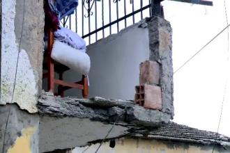 Corespondență din Albania. Povestea celor doi soți care au murit îmbrățișați în blocul prăbușit