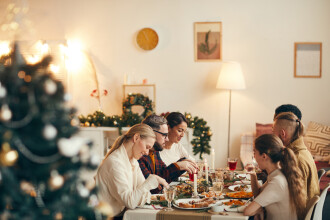 Deprecierea leului, un pericol pentru masa de Crăciun. Cum vor fi afectați românii