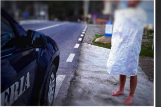 Bărbat gol care a mers pe jos 30 de kilometri învelit doar cu un sac, găsit de jandarmii din Neamț